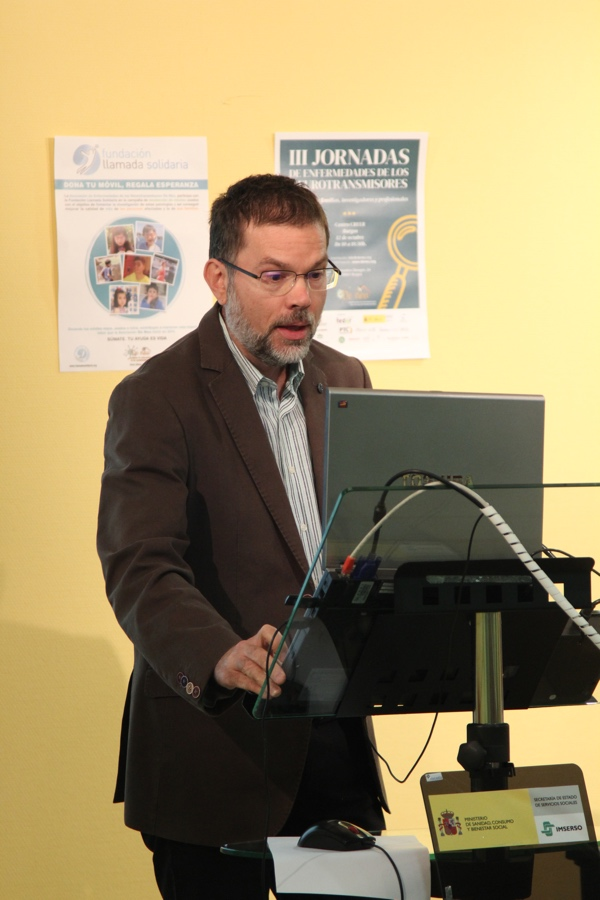 Eduardo López Laso y Elisenda Cortès, coautores de la Guía de consenso de la BH4 responden a las preguntas de De Neu